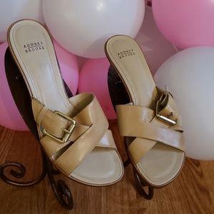 Audrey Brooke leather shoe